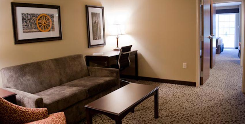 Best Western Plus Intercourse Village Inn & Suites Two Room King or Queen Suites